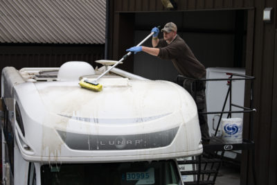 Video: How to clean your motorhome roof thumbnail