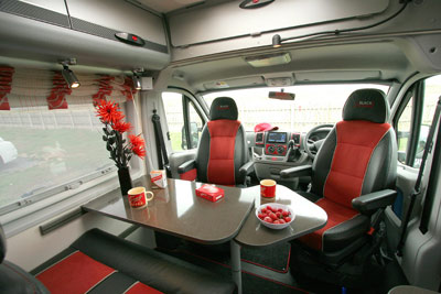 Adria Twin GT dining