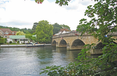 Henley - 10 minute walk