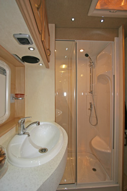 Vanmaster Applause 580 SB EW Washroom