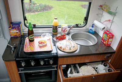 Adria Sport 660 kitchen