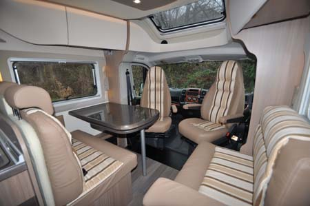 Bürstner Ixeo Plus it724 motorhome living area