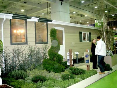 La-Belle-Maison-Lodge-displayed-at-home-show