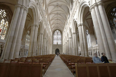 Inside-Beverly-Minster