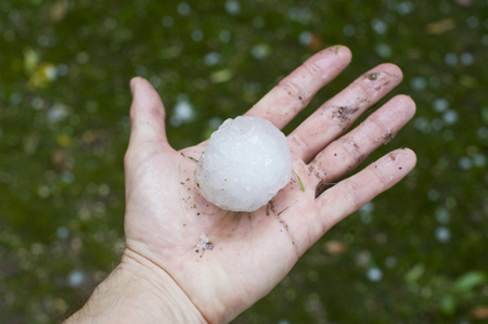 Golf-ball-sized-hailstones-cause-over-£500,000-of-damage