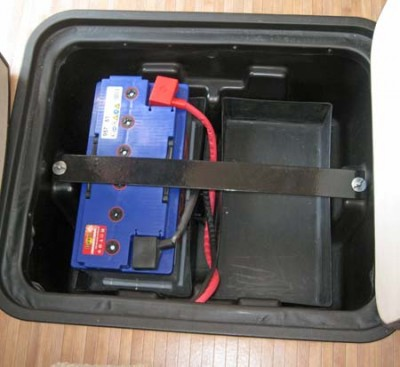 Inboard leisure battery box with room for an extra bettery