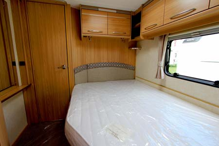 Coachman Vision 560-4 Caravan Bedroom