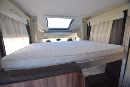 Roller Team T-Line 590 Motorhome Sleeping