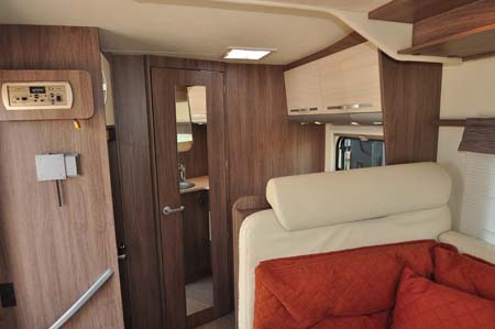 Burstner Ixeo Time IT590 Interior 1