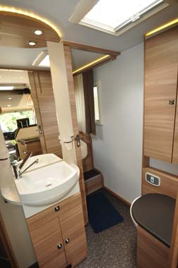 Adria Sonic Plus washroom