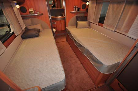 Hymer Nova 580 twin beds