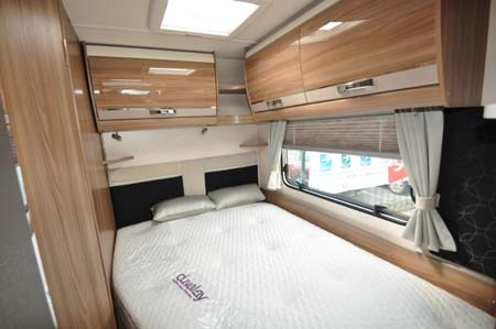 Swift Bolero 684 Bed