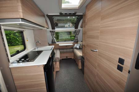 Adria Altea Eden 472DS Interior