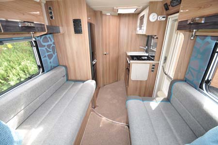 Swift Rio 310 interior