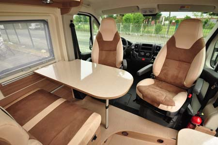 Rapido Dreamer D42 Dining seating
