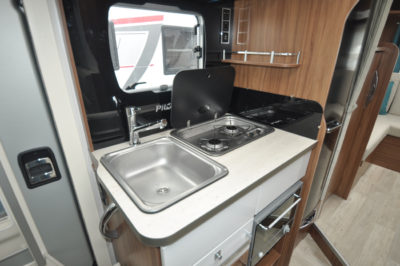 Pilote Galaxy 650U Sensation Motorhome kitchen