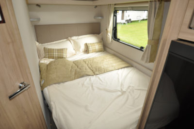 Elddis Avante 840 double bed