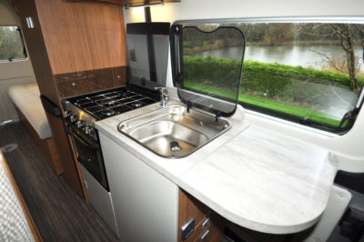 Auto Trail V-Line SE 636 Kitchen