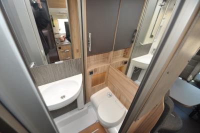 Hymer MLT57060 Shower room