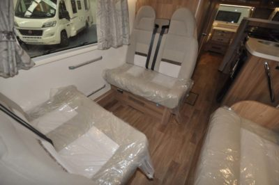 Swift Kon-Tiki 649 Travel seats