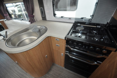 Auto Trail Comanche S kitchen