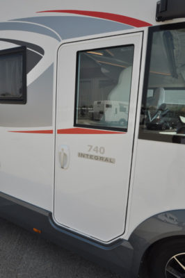 Roller Team Pegaso 740 door