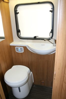 Auto-Trail Imala 732 washroom