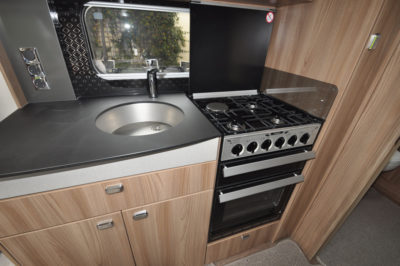 Swift Elegance Grande 635 kitchen