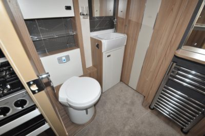 Swift Kon Tiki 650 washroom