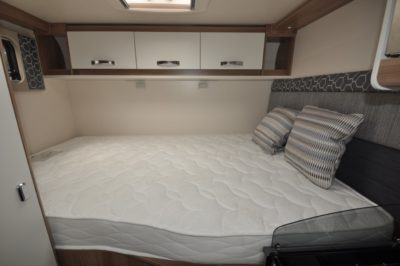 Swift Escape Compact C205 fixed double bed