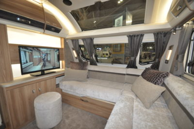 Swift Elegance Grande 655 lounge