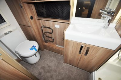 Swift Elegance Grande 655 bathroom