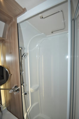 Swift Elegance Grande 655 shower