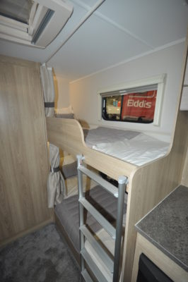Elddis Avante 586 fixed bunk beds