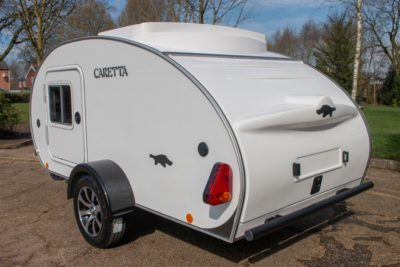 Carette 1500 caravan rear side