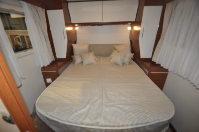 Rapido Distinction i1090 double bed