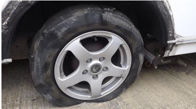 Caravan tyre blow-out